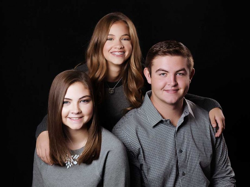 Family_Pictures_Siblings_Glamour_Shots