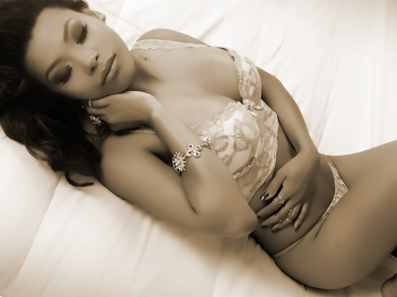 Glamour Shots Boudoir photography with woman in underwear